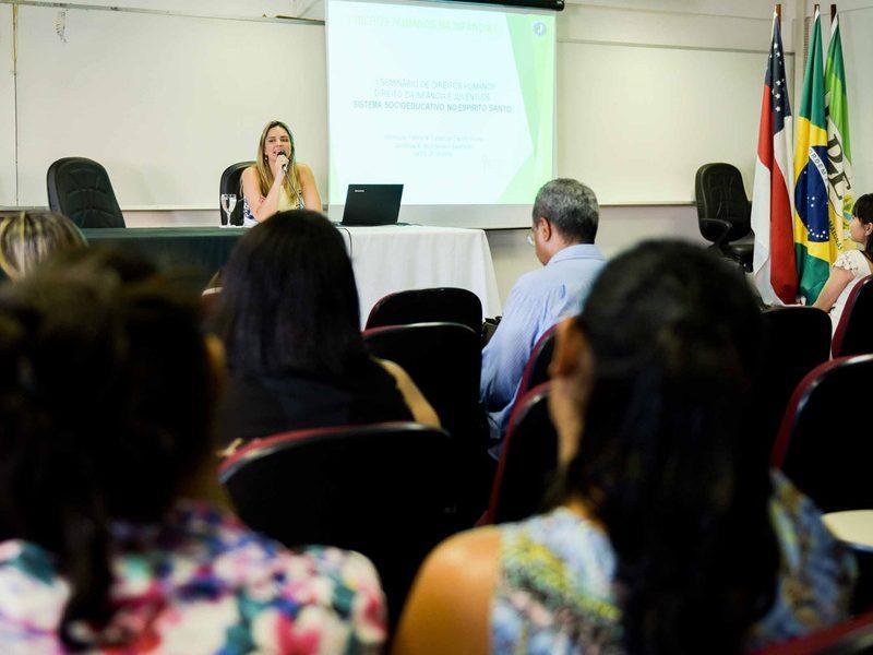 Defensora Pública do ES abre seminário em comemoração aos 26 anos do ECA em Manaus (AM)